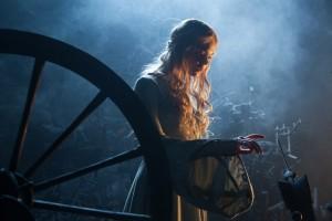 (Be)stechendes Finale: Prinzessin Aurora (Elle Fanning) / © Walt Disney Pictures
