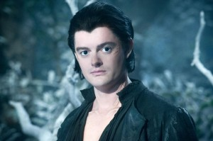 Gefiederter Befehlsempfänger: Diaval (Sam Riley) / © Walt Disney Pictures