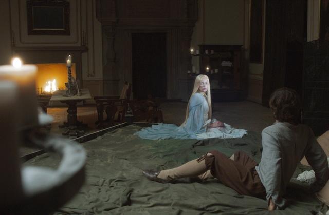Draculas Opfer: Tiamat (Anna Thalbach) gibt Michel ein schwieriges Rätsel auf / © Radio Bremen/Jo Molitoris