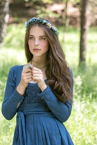 Neue Idee: Prinzessin Amélies (Leonie Brill) wundersamer Salzkristall ist auch ein Symbol der Liebe / © WDR/Kai Schulz