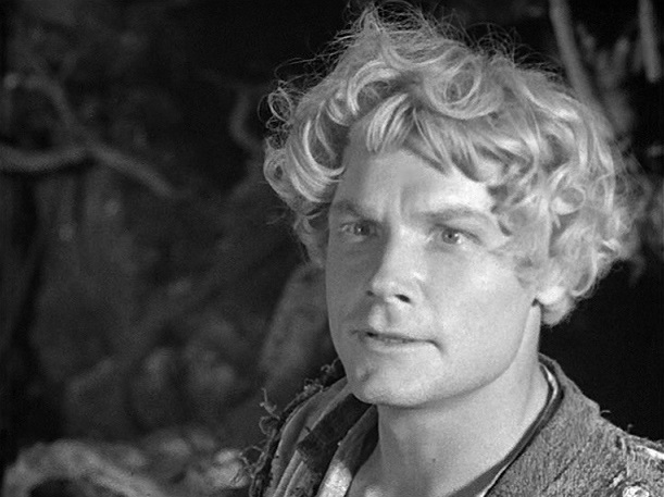 Groß, blond, stark: Iwan (Sergej Stoljarow) erfüllt alle Klischees eines russischen Märchenhelden / Quelle: Diamant