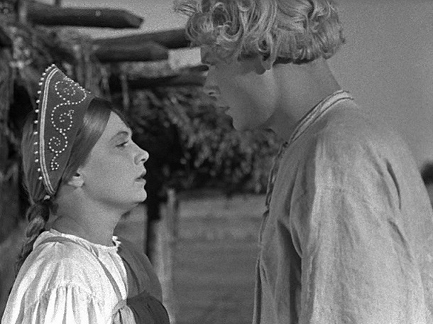 Russisches Traumpaar: Wassilissa (Walentina Sorogoschskaja) und Iwanuschka (Sergej Stoljarow) / Quelle: Diamant