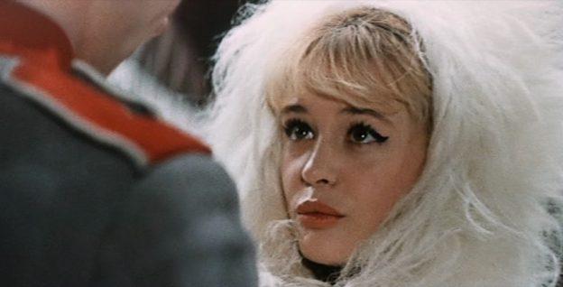 """Doppelgängerin: Nein, das ist nicht das französische Sexsymbol Brigitte Bardot, sondern die sowjetische Schauspielerin Marina Nejolowa in der Rolle der Prinzessin in """"Ein uraltes Märchen"""" / Screenshot: Icestorm"""