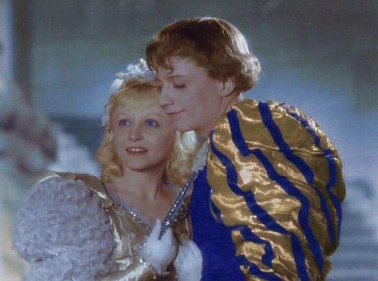 Romantisches Happyend: Aschenbrödel (Janina Schejmo) und der Prinz (Alexei Konsowskij) / Quelle: Petershop GmbH