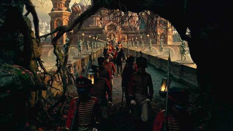 Krieg im Spielzeugland: Die Armee zieht mit Clara in den Kampf, in das unheilvolle Vierte Reich / © Disney 2018