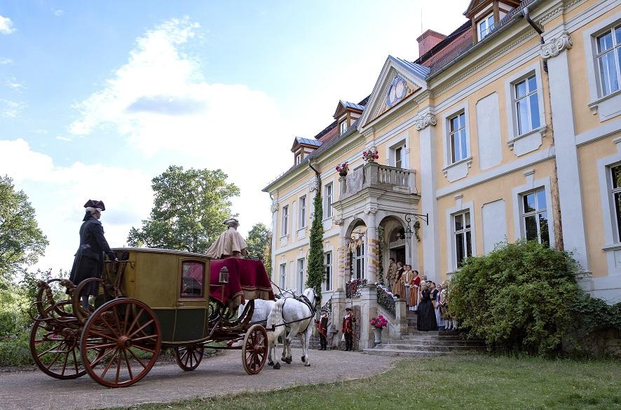 Schloss Stülpe: Das Herrenhaus in Südbrandenburg ist die Residenz von Großherzogin Ottilie / © rbb/Michael Rahn