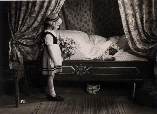 """""""Rotkäppchen und der Wolf"""" (1937): hier nur in Schwarz-Weiß / © DIF/Medienproduktion und Vertrieb Genschow"""