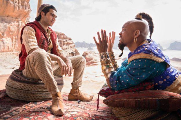 Der kanadisch-ägyptische Mena Massoud spielt Aladdin. Die Rolle des Dschinni übernimmt Will Smith / © Disney 2019