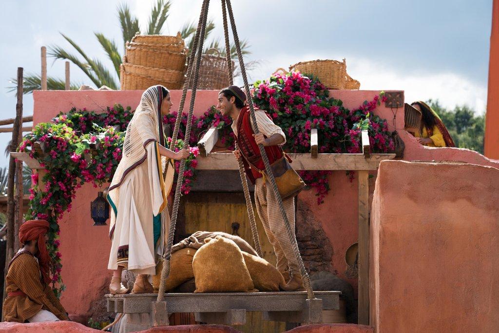 Farbenspiele: Die Heimat von Jasmin und Aladdin präsentiert sich in zarten Rosa- und Terrakotta-Tönen / © Disney