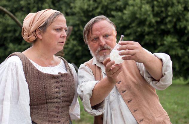 Quotengarant: Axel Prahl als Wiesenbauer Iven mit Gabriela M. Schmeide als Stine / © NDR/Marion v. d. Mehden