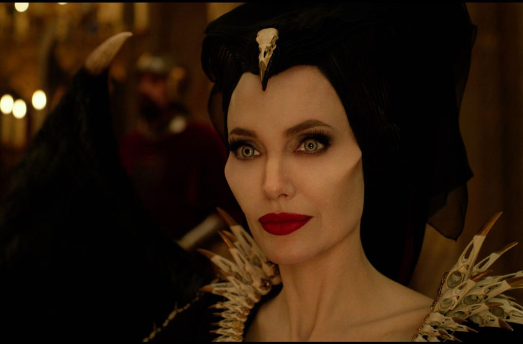 Teuflisch gut: Make-up-Designer Paul Gooth verwandelte Angelina Jolie in Maleficent / © 2019 Disney Enterprises