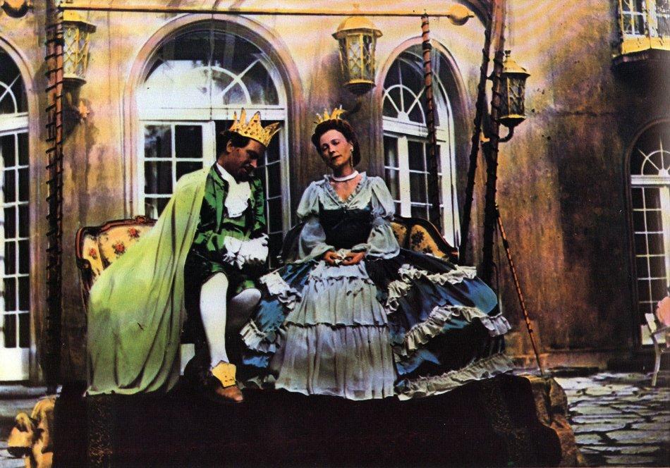 Dornröschen (1955): König (Fritz Genschow) und Königin (Karin Hardt) / © Medienproduktion/Vertrieb Genschow