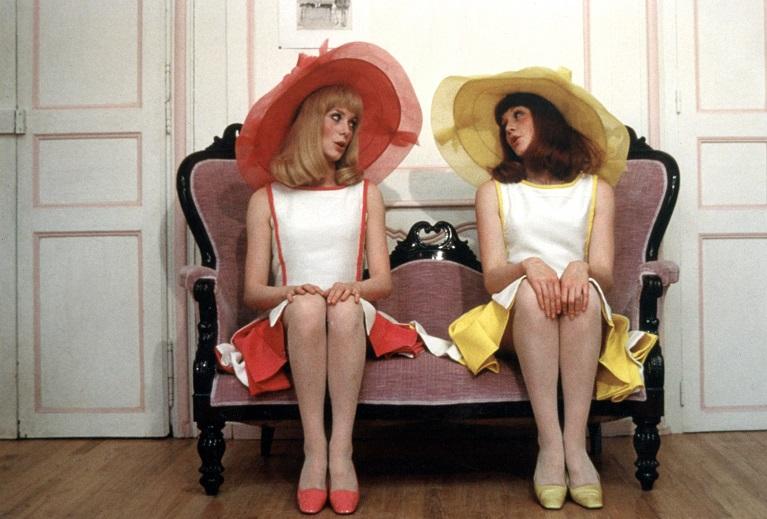 Die Mädchen von Rochefort (1967): Catherine Deneuve (l.) in der Rolle der Delphine Garnier / © Studiocanal