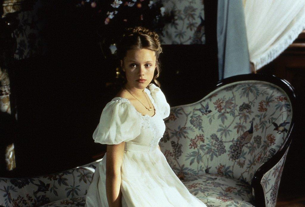 Froschkönig (1991): Die Prinzessin (Linda Rybová) trägt ausnahmsweise mal ein Kleid / © ZDF/Taurus-Film