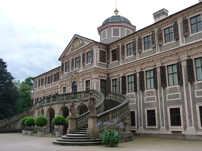 Der Froschkönig (2008): Das Schloss Favorite ist einer der Märchenfilmdrehorte / © campomalo/pixelio.de