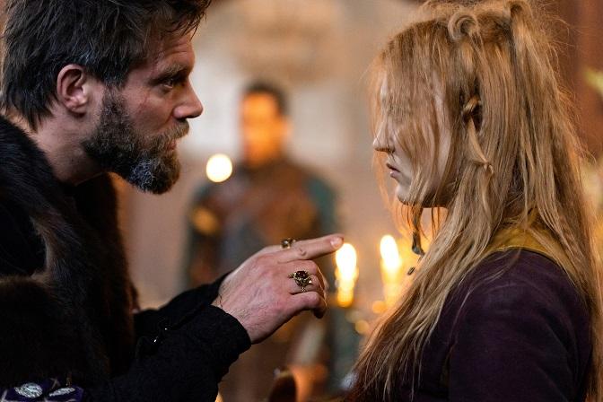 Vater-Tochter-Konflikt: König Goderic (Ken Duken) hält nicht viel von Zottel (Charlotte Krause) / © ZDF/Conny Klein