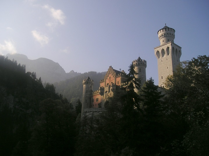 Schneeweißchen und Rosenrot (1955): Schloss Neuschwanstein ist einer der Drehorte / © Peter Habereder/pixelio.de