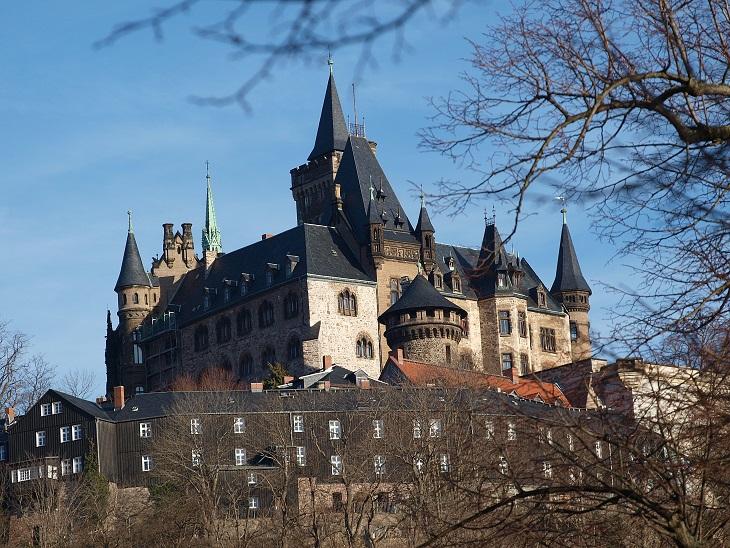 Schneeweißchen und Rosenrot (1979): Schloss Wernigerode ist einer der Drehorte / © Luise/pixelio.de