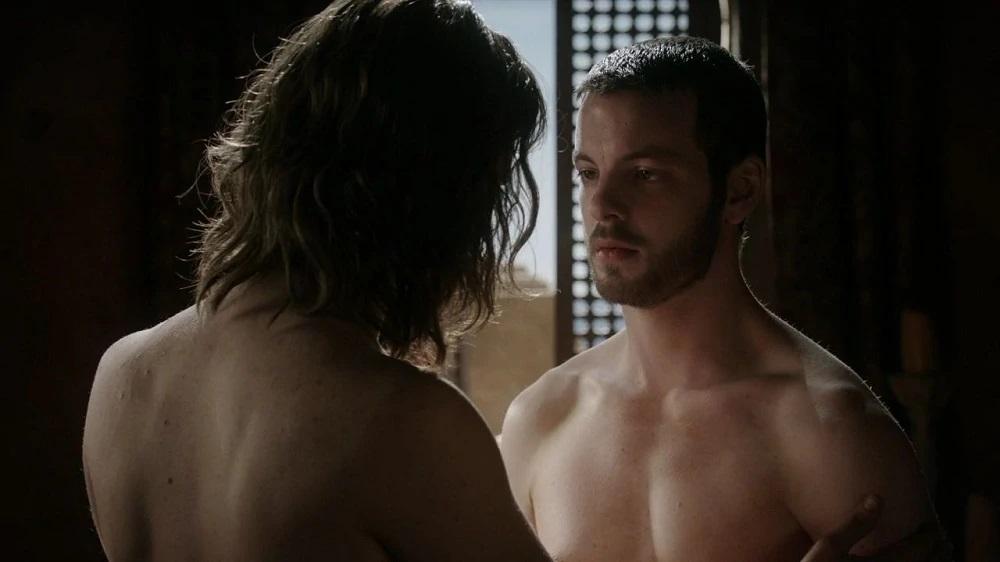 Game of Thrones (USA): Renly Baratheon (Gethin Anthony, r.), Ser Loras Tyrell (Finn Jones) / Quelle: Game of Thrones Wiki