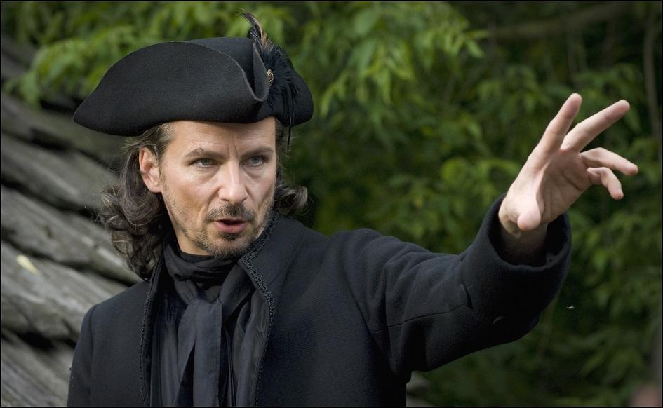 Kostümfarbe: Das Schwarz verweist auch auf seinen bösen Charakter (David C. Bunners) / © rbb/Arnim Thomaß