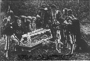 Schneewittchen (1928): Prinz, Diener, Zwerge am Sarg / Quelle: Der Bildwart